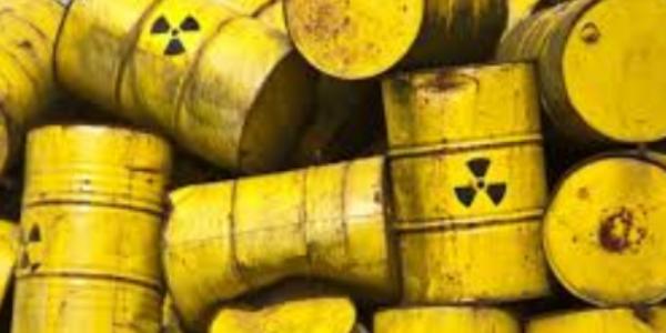Путин превращает Россию в свалку радиоактивных отходов