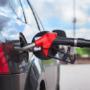 Правительство запрещает ввозить в Россию импортный дешёвый бензин